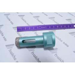 trépan , scie cloche au diamant 20 mm percement à sec dans le carrelage dur avec une meuleuse angulaire