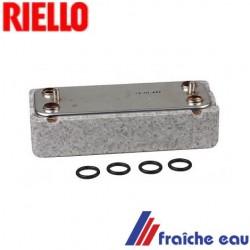 échangeur à plaque RIELLO type R1957 pour la production instantanée d'eau chaude sanitaire de la chaudière murale