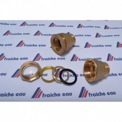 raccord pour tube polyéthylène et plastique en général  avec écrou de serrage et joint étanche à compression