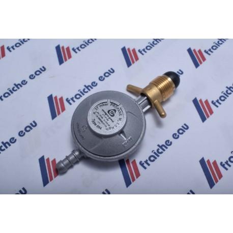 détendeur final gaz calibré à 37 mbar 1,5 Kgs/h, détente finale pour un seul appareil    tetine / pol